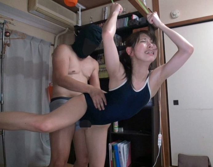 スクール水着美少女がぬるぬるローションの生足コキや着衣SEXの脚フェチDVD画像5