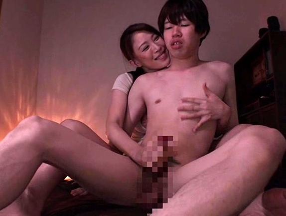 痴女お姉さんに淫語を囁かれながら生足コキや騎乗位で犯されるの脚フェチDVD画像3