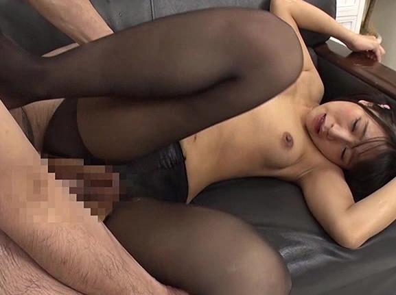 モデル志望の美少女にパンスト足コキをさせ着衣SEXでイカせるの脚フェチDVD画像4