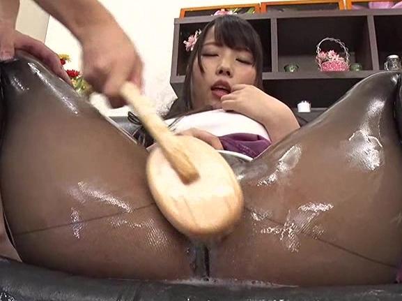 モデル志望の美少女にパンスト足コキをさせ着衣SEXでイカせるの脚フェチDVD画像1