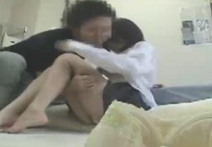 制服JKの彼女と部屋でのセックスを隠し撮り