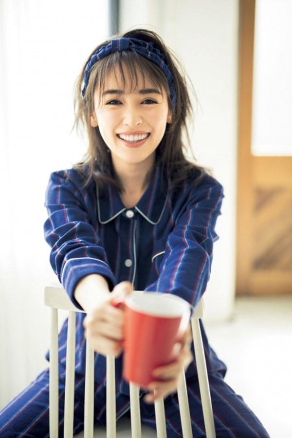 泉里香24