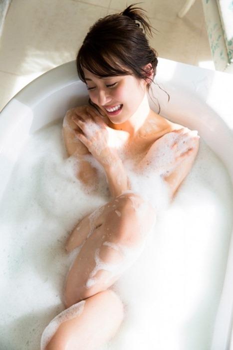 衛藤美彩10
