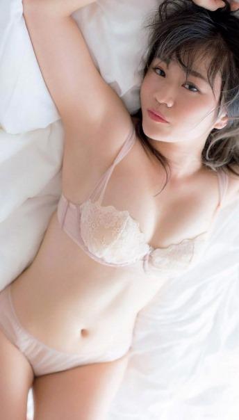 【島田晴香(芸能界AKB48引退・Dカップ巨乳)おっぱい見せグラビア】画像・動画