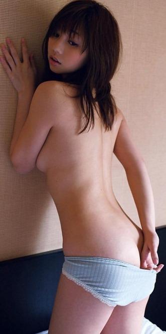 (小泉麻耶(阿部慎之助とウワキ)が過激に裸セミぬーど挑戦)写真19枚