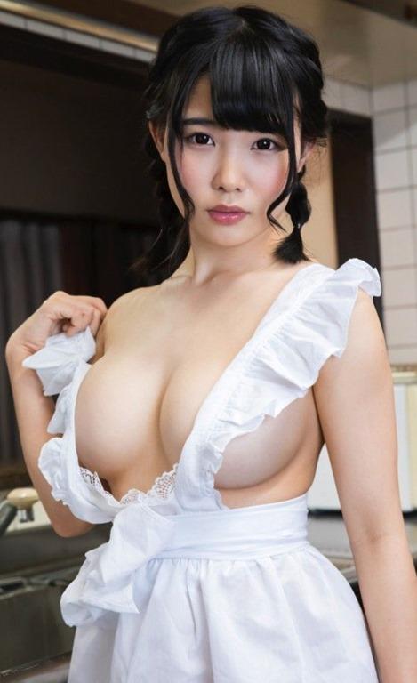 (綾瀬加恋(19才・Fカップ美巨乳)お尻出し極小ミズ着色っぽい体)写真20枚