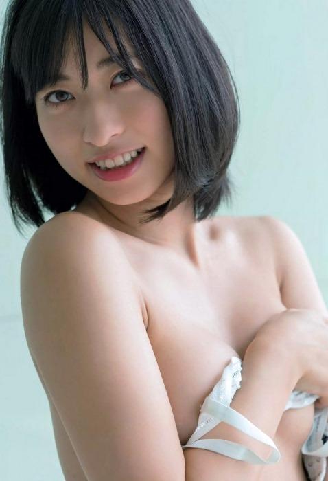 (倉持由香のプリ尻より乳房の美しい乳お乳)えろ写真24枚