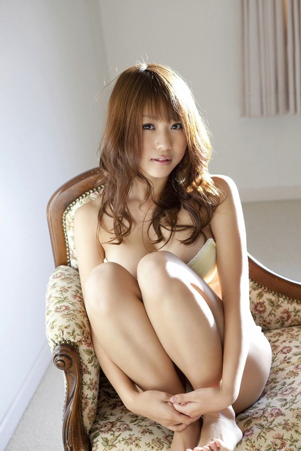 西田麻衣24