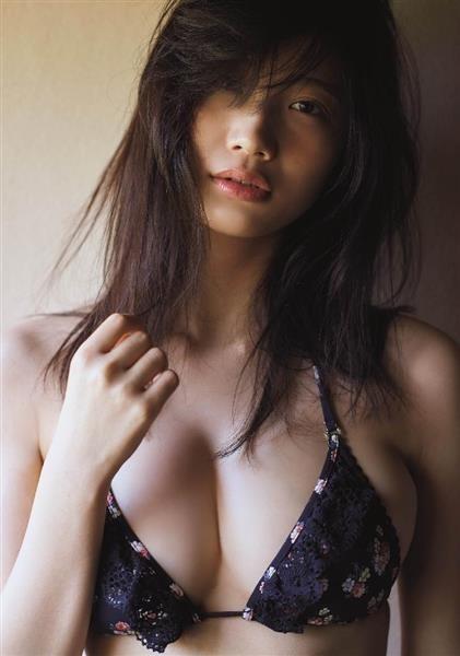 【小倉優香(20歳・Gカップ巨乳)テレ東「恋のツキ」で胸チラ】画像・動画