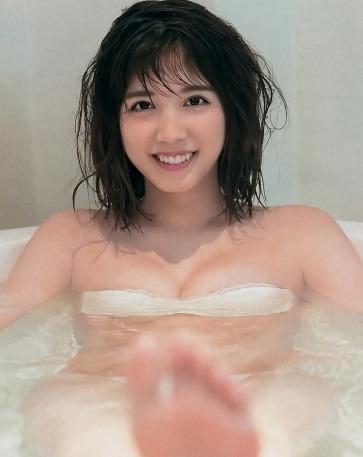 (松田るか(仮面ライダーエグゼイド)の色っぽいミズ着姿に感激)写真33枚