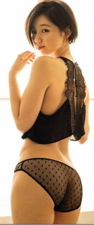 (小池里奈DVD(Rina Paris)写真集(Departure)でお尻色っぽい体)写真34枚