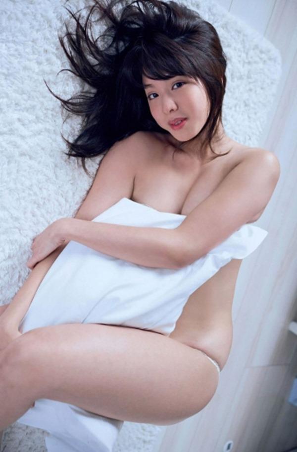 本郷杏奈38