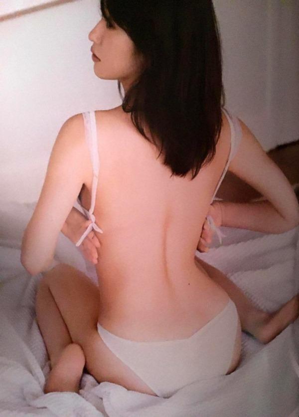 衛藤美彩47