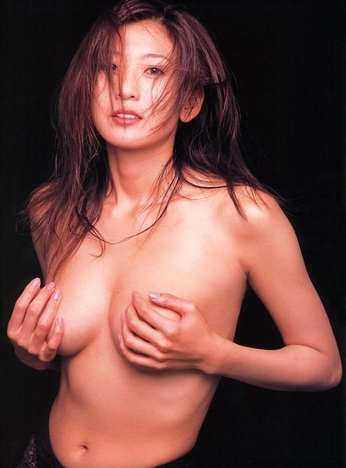 (中島史恵(シェイプUPガールズ)が写真集で裸セミぬーどに挑戦)写真48枚