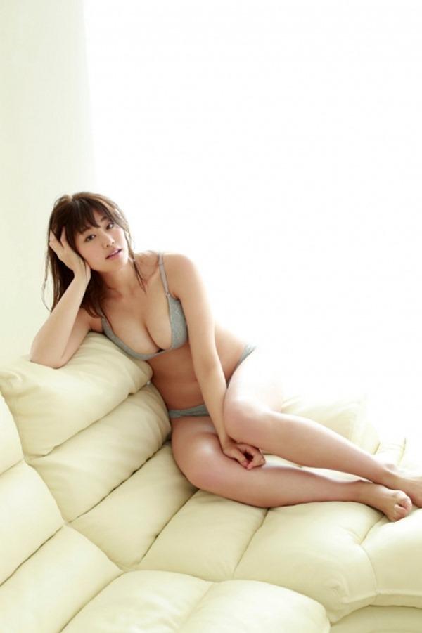 稲村亜美48