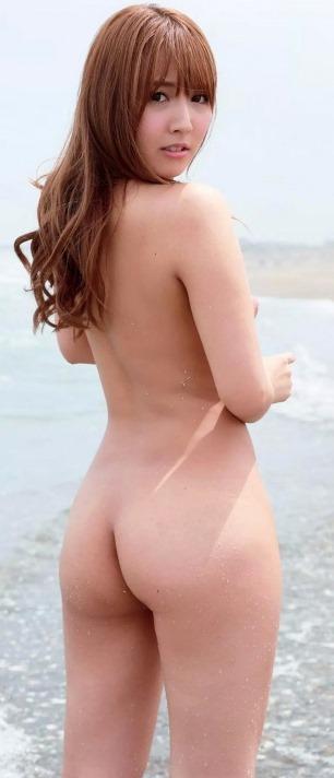 (三上悠亜(元SKE48)週刊誌(フライデー)他で奇跡の美巨乳・裸ぬーど)写真52枚