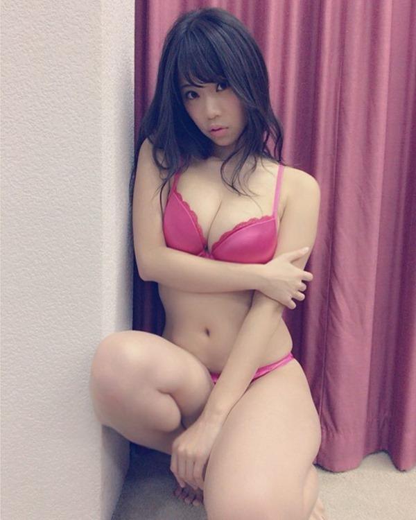 鈴木ふみ奈18