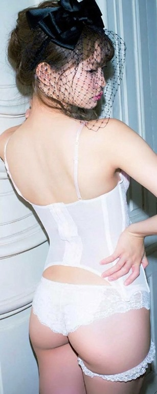 (永尾まりやの清楚な乳房とお尻が色っぽい)写真22枚