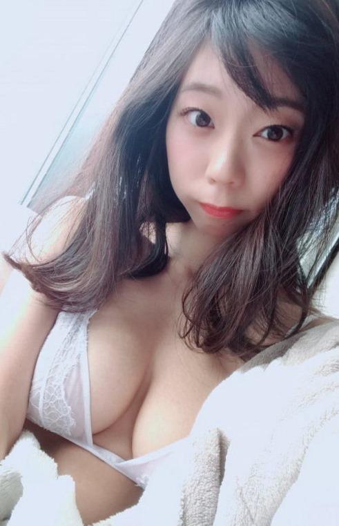 【青山ひかる(95㎝・Iカップ巨乳)ノーブラおっぱい全裸ヌード解禁】画像20枚