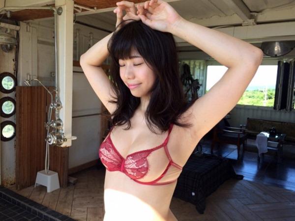 鈴木ふみ奈22