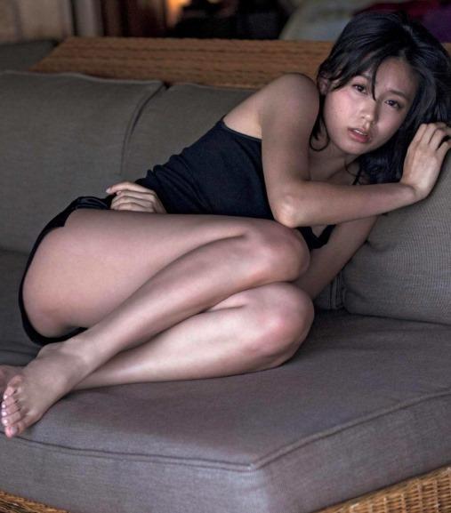 (本仮屋ユイカの写真集(maururu)より色っぽいな乳房お尻発見)写真29枚