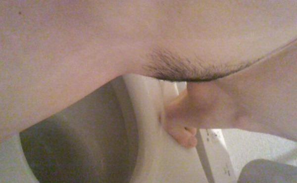 トイレ自画撮り3