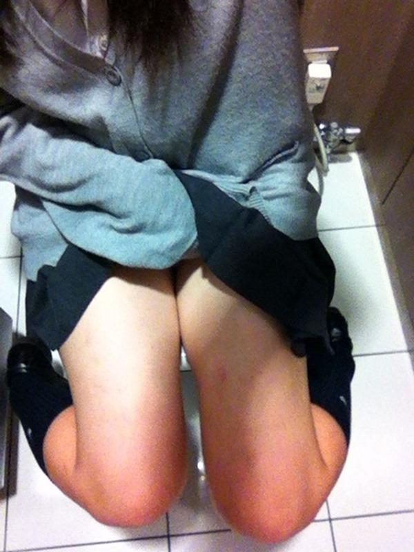 トイレ自画撮り7