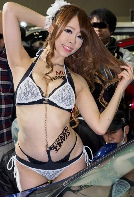 (東京オートサロン2017から美巨乳お乳お尻モデルを選定)えろ写真45枚
