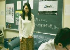 行為が終わって服を着た恵子