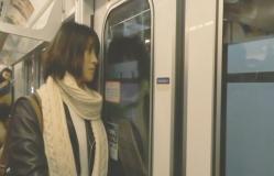 東京の地下鉄、銀座線に乗っているみゆき