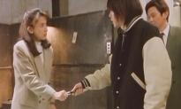 素手でナイフをつかんだ陽子