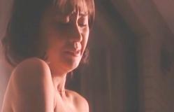 泣いている恵美