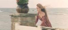 自転車に乗るマリー