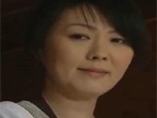 【ヘンリー塚本】昭和の五十路美熟女大家が下宿の若い男を誘惑し激しくセックスする