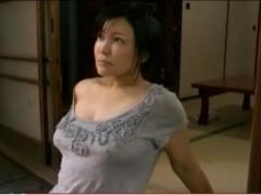 【ヘンリー塚本】未亡人の巨乳の五十路熟女。「セックスがしたい・・・。」不倫相手を見つけ膣内をサオで埋め尽くす。