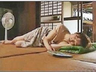 【ヘンリー塚本】うたた寝中に不良の若者にレ〇プされた美人主婦 美山蘭子