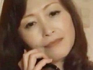 【ヘンリー塚本】旦那の友人と肉体関係になった人妻がどっぷり不倫堕ち!