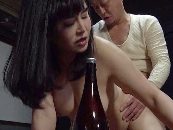 【ヘンリー塚本】浅井舞香 男を連れ込み酔った勢いでハマりあう子持ちのバツイチ女
