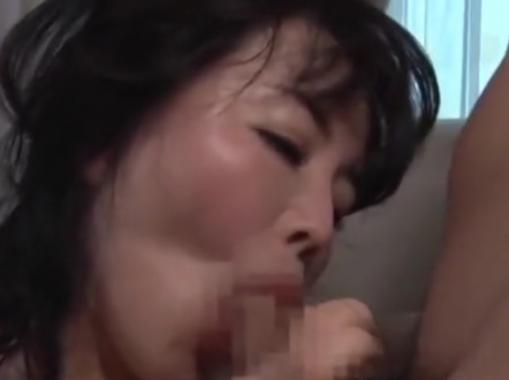 【近親相姦】使い込まれたマ●コも壊れそうな義息子のピストンに乱れ狂って喘ぐ義母!浅井舞香