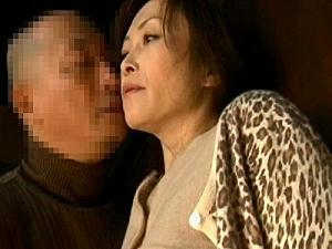 人妻をモノにする力づくの情事!嫁と舅(しゅうと)、一つ屋根の下で繰り広げられる陰湿かつエロチックな性交