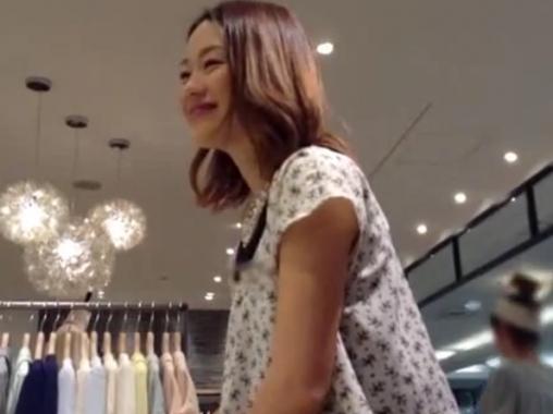 【盗撮】あり得ないレベルの美人ショップ店員の美貌に見とれながら覗くパンチラが秀逸過ぎるw