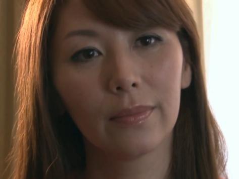 【近親相姦】女の武器を最大限に使用して復讐のために甥子を誘惑し関係をもつ熟女!翔田千里
