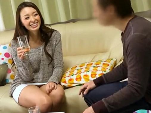 〔個人撮影〕美人過ぎる人妻を自宅に連れ込むのに成功!大人がヤルことはもちろんSEXしかない!«観覧注意»