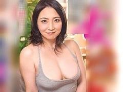 41歳のムッチリ義母を義息が・・・●す!父親から寝取って女体を貪り生挿入!!!
