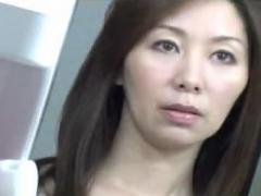 息子に女のカラダを教えてしまった背徳の義母!翔田千里