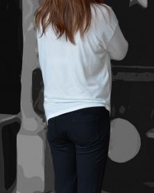 タイトなぴったり黒パンツ