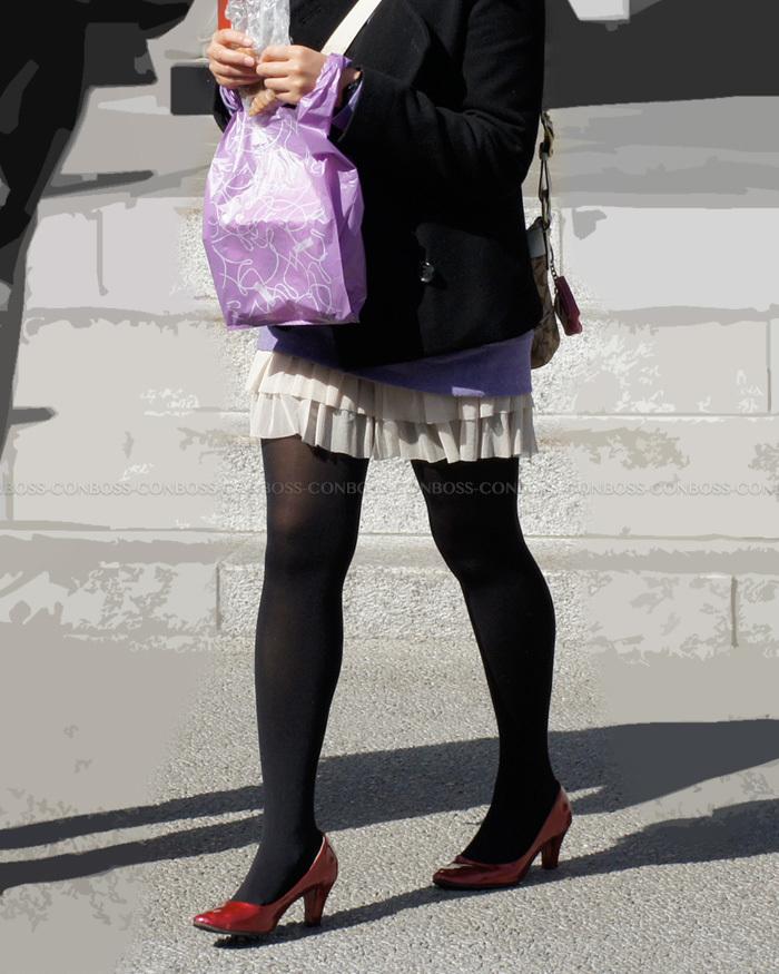 シルエットが綺麗な黒タイツ