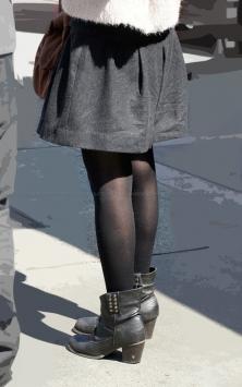 シワまで素敵な黒タイツ