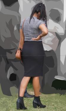 ダイナマイトヒップのピチピチタイトスカート