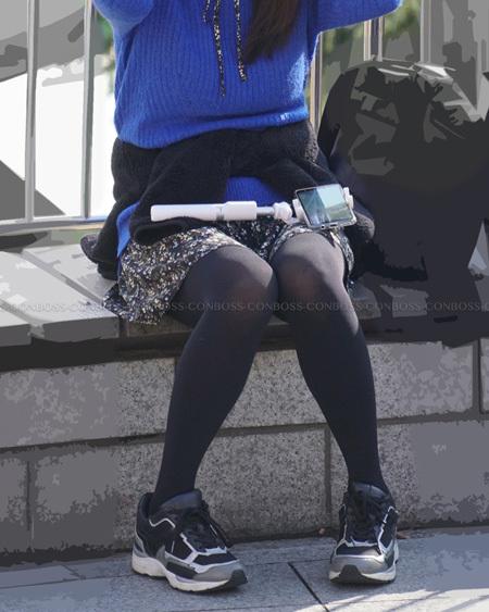 ザラザラ質感の黒タイツ